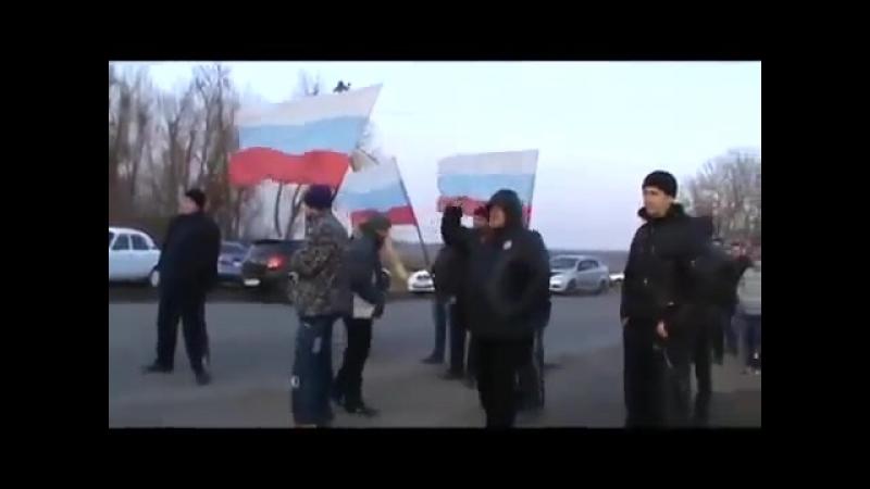 Донецкое ополчение блокирует армейскую колонну под Волновахой 15 марта 2014 -
