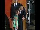 Криштиану Роналду успокоил разрыдавшегося фаната