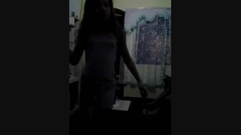 Emily victoria dançando show das poderosas