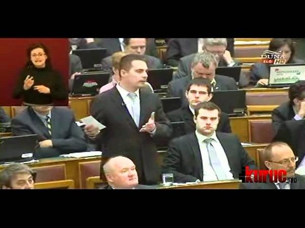 Vona Gábor reagálása Schmitt Pál lemondó beszédére (2012-04-02)