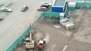 Машины закрыли на стройке в Белых Росах