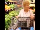 Когда сказал бабуле, что у тебя пустой холодильник. Видео приколы