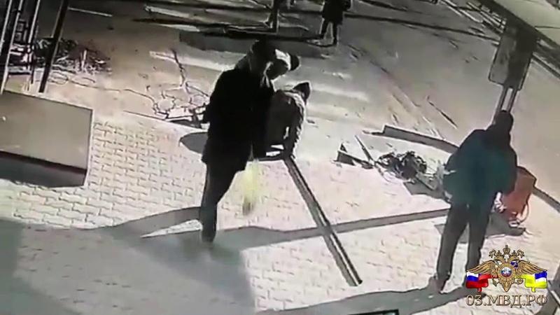 В Улан-Удэ мужчина похитил женскую куртку и перфоратор