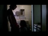 Девушка поднимает вялый член минетом (из фильма, отсасывает сперму из вялого хуя)