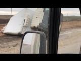 20 апреля в Крыму перевернулась фура на трассе Симферополь-Керчь