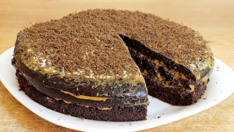 Шоколадный торт на кипятке пышный домашний бисквит