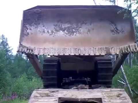 МАЗ 537 . Разгрузка бульдозера Т -35 . Забайкалье .