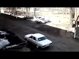 В нижнекамске взорвался  автомобиль, с водителем внутри.
