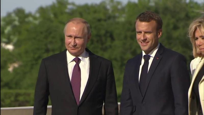 Владимир Путин принял в Константиновском дворце Президента Французской Республики Эммануэля Макрона.