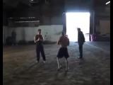 Подпольный бой  боксёров голыми руками