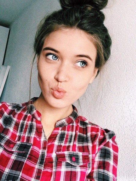 Полина Зиновьева, видеоблогер