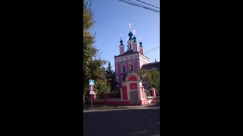 Antigua iglesia en el centro de Kaluga.