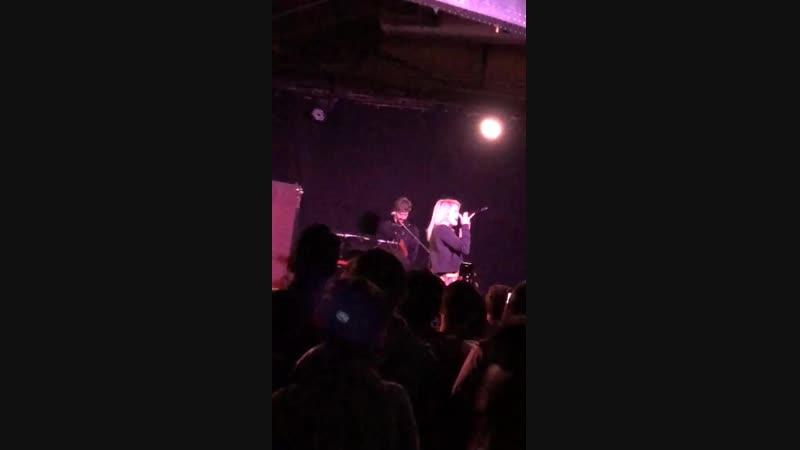 Кийара исполняет «Complicated» в Хьюстоне, 15 ноября, 2018
