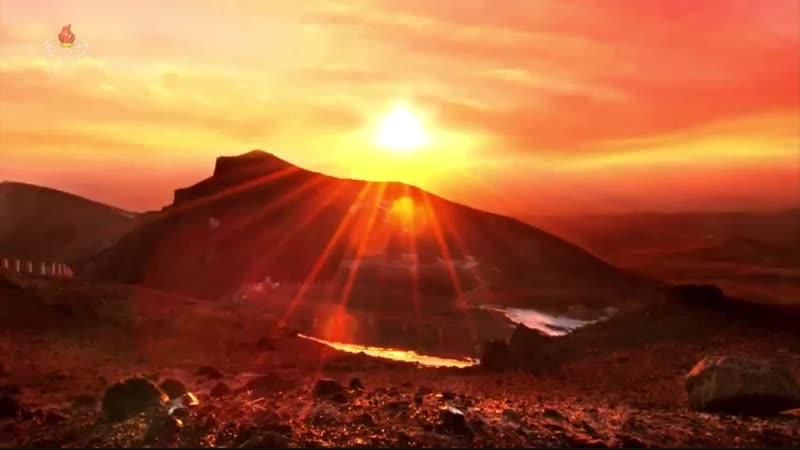 태양의 모습으로 길이 빛날 불멸의 대기념비들 평성시