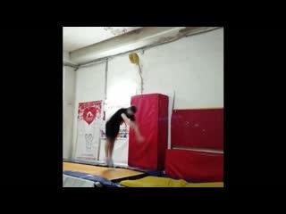 акро прыжки