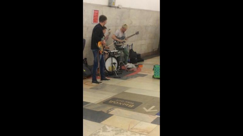 Уличные музыканты - Метро