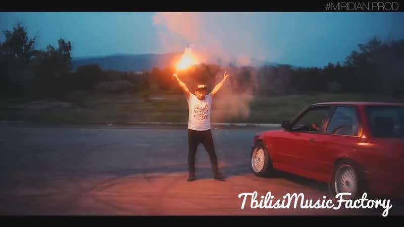 ToTo - За нас Небеса. ✵♛ (BMW E30)