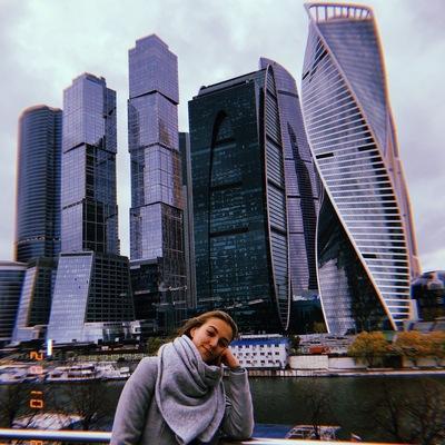Аня Шафикова