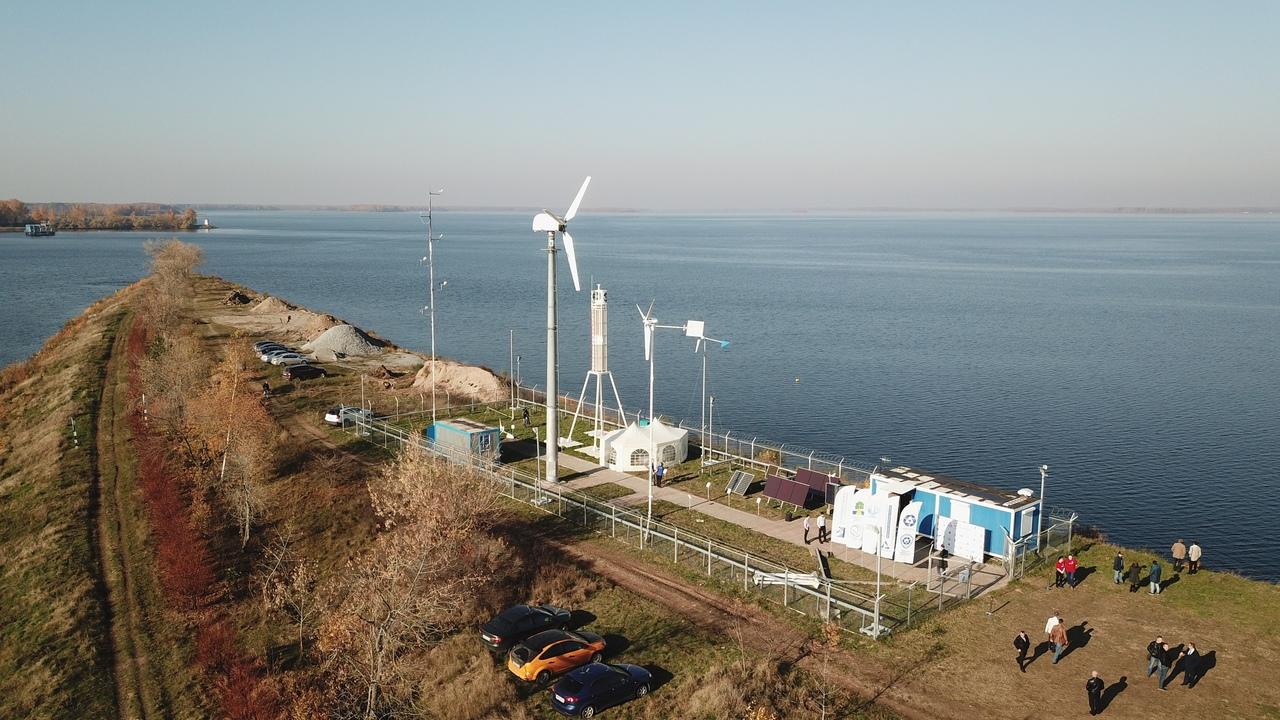 В Дубне, на полигоне «Альтернативная энергетика», заработали солнечные батареи и ветрогенераторы