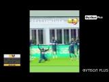 Коутиньо пробросил мяч между ног Филипе Луис