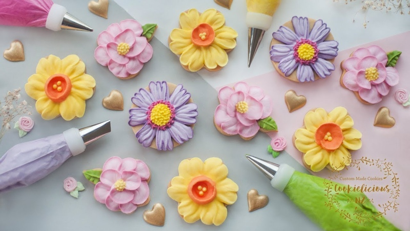 HOW TO PIPE ROYAL ICING TO MAKE 3 BEAUTIFUL FLOWER COOKIES ~ Camellia, Daffodil Cosmos Flowers