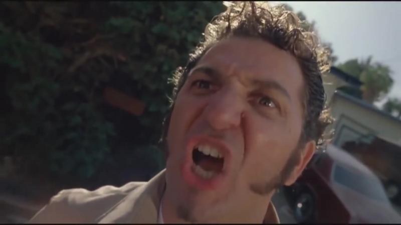 Ублюдок, мать твою, а ну иди сюда, говно собачье, а ну решил ко мне лезть