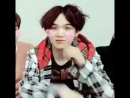 Yoongi's reaction when the filter recognized him stfu he's such a cutie