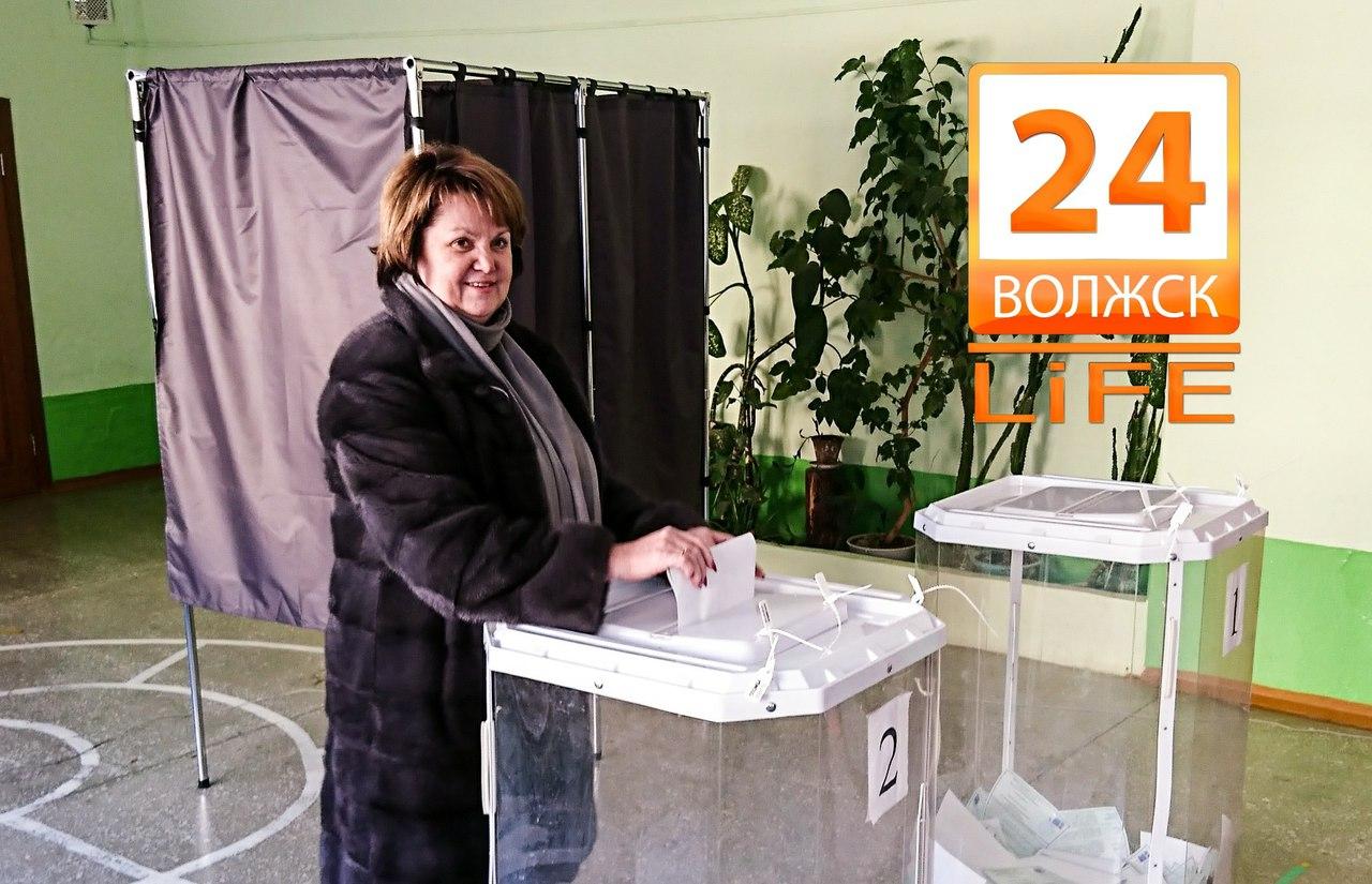 На 12:00 явка избирателей в Волжске составила 32,3%.