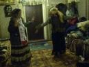 V-s.mobiЦыганки танцуют..mp4