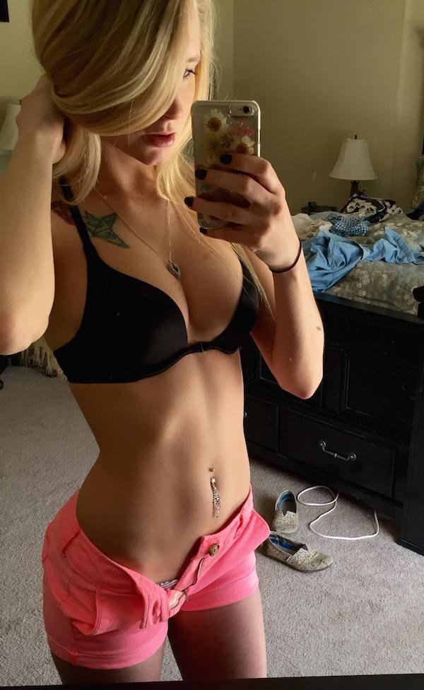 Adolescente peludo se masturba na webcam