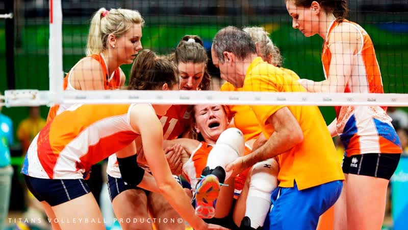 DANGEROUS VOLLEYBALL GAME INJURIES BALL in the HEAD Womens VNL 2018