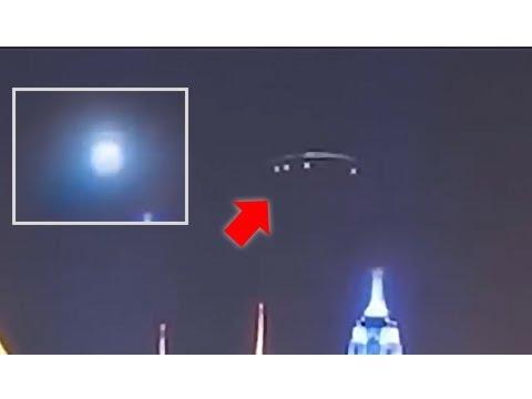 하늘에 거대한 모선이 나타나 논쟁중인 영상! 혹시 이건 홀로그램의 기술일