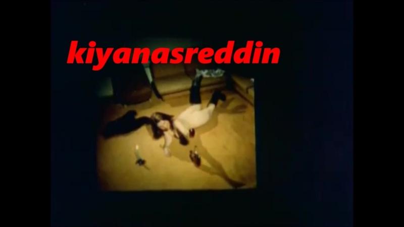Türk filmide Kuzey Vargın'ın porno izlemesi watching porno scene in turkish movie