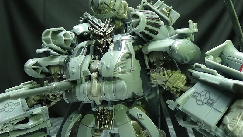Studio Series Leader BLACKOUT: EmGo's Transformers Reviews N' Stuff