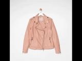 Розовые мечты ✨⠀Накинь эту куртку из эко-кожи на легкое платье, сочетай с брюками-кюлотами и узкими удлиненными юбками. Радост