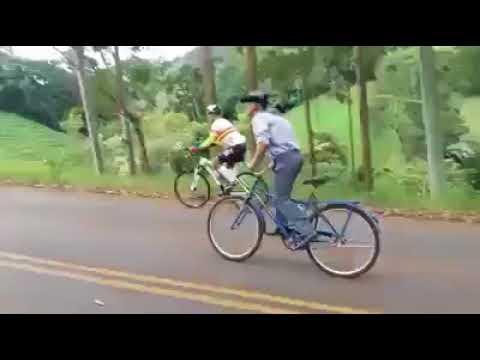 Quem sobe a serra mais rápido: ciclistas profissionais ou o Seu Zé da Caloi?