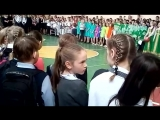 Рутгер Гарехт исполняет песню