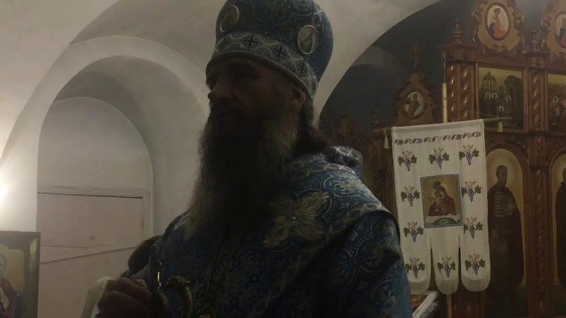 Пресвятая Богородице покрый нас от всякого зла Честным Твоим Омофором.