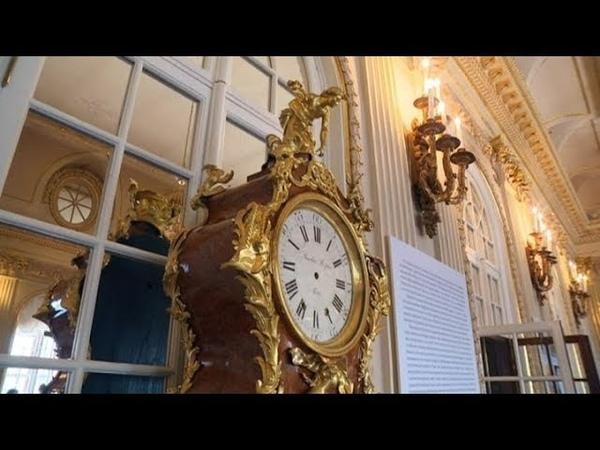 Тиканье старинных напольных часов в Эрмитаже