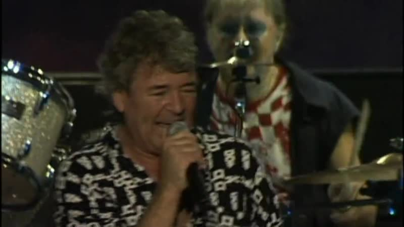 Deep Purple Space Truckin Live at the NEC England 2002