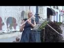 Красивая мелодия для флейты на улице! СМОТРИТЕ Buskers! Street! Music!.mp4
