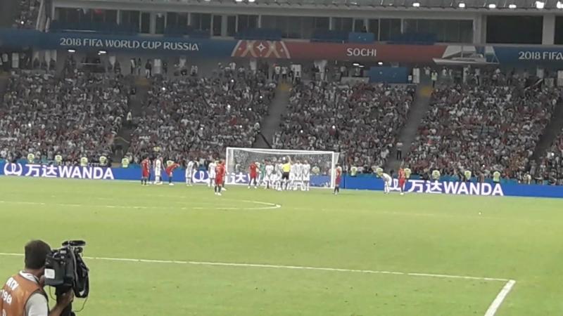 Роналду пробивает решающий штрафной удар на последних минутах матча Испания-Португалия (чемпионат мира по футболу фифа супергол)