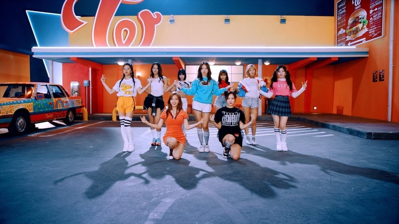 TWICE「Wake Me Up」Music Video