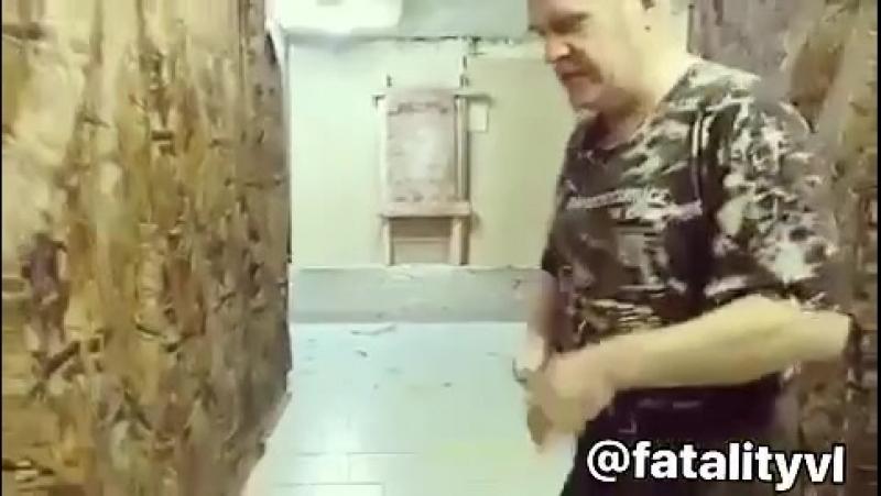 Профессионал в спортивном метании ножей и топоров!