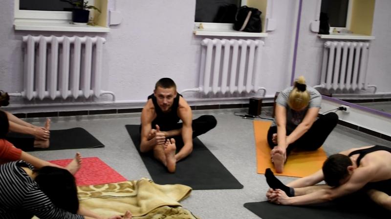 Хатха Йога Школа Танца ЗемунЪ ведущий инструктор Роман Богаченко