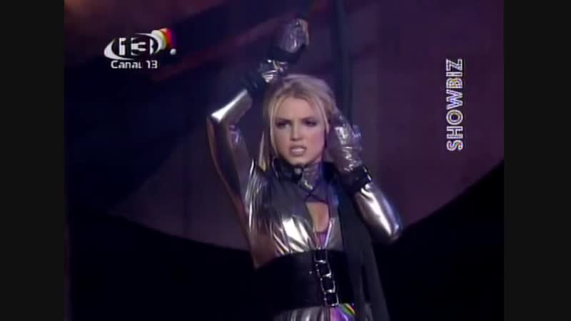 Britney Spears - Me Against The Music (Live at the 2003 American Music Awards)