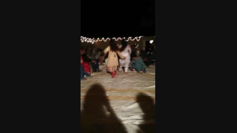 Dasi girls dance