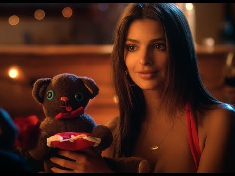 OnePlus 5T - The perfect gift for your Valentine ft. Emily Ratajkowski