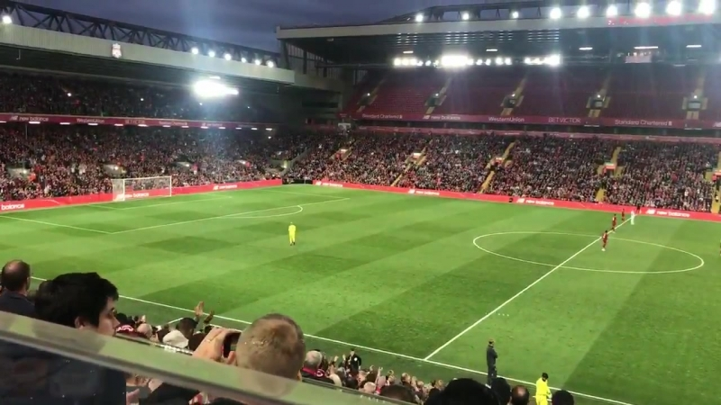 Absolutely class from LFC fans to welcome Loris Karius