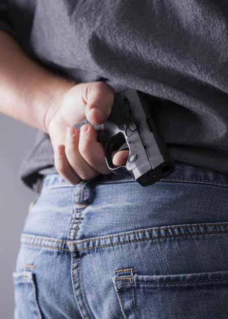 Большинство законов об оружии требуют, чтобы кто-то получил разрешение, чтобы носить скрытое оружие.